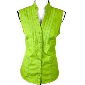 Come Stretch Green Sleeveless V Neck Button Up Top